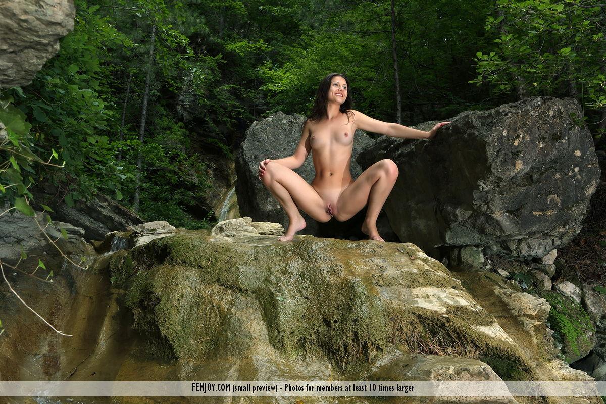 Hot Babe Melina